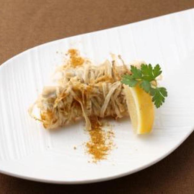 【11月の旬野菜レシピ】子どもが喜ぶお魚料理♪白身魚のゴボウ巻き揚げ
