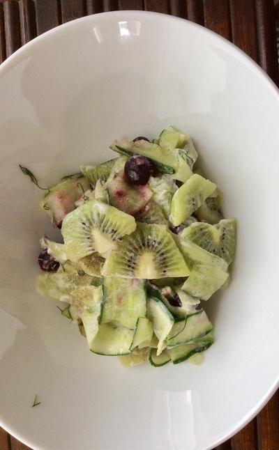 きゅうりとキウイのサマーサラダ