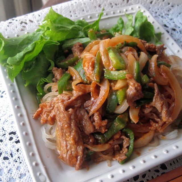 酒粕コチュダレ de 韓国冷麺 肉野菜炒めのっけ