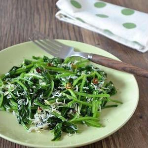 少量なのに存在感あり!野菜がおいしい「しらす炒め」レシピ