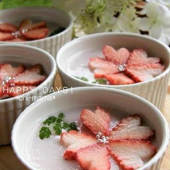 苺が可愛い♪苺ミルクプリン