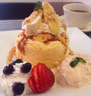 セルクル型なしでふっかふかの分厚いパンケーキ&簡単いちごアイス