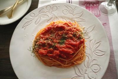 さっと作れるツナとトマトのパスタ