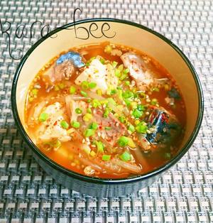 ご飯にかけても旨っ♪韓国風!鯖缶ともやしの旨辛胡麻味噌おかずスープ