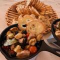 キャンプ飯!豚ヒレ肉と黒豆のアヒージョ ミニスキレット&ポケットストーブミリタリー