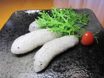 美味しいアケビのリアルなイモムシさんを食べよう~v(^0^)/
