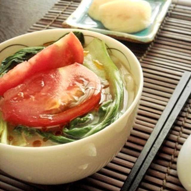 さっぱりこっくり中華風胡麻ダレトマト饂飩で休日は昼から…酒が……