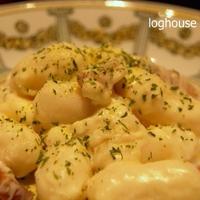 チーズトッポギ&自家製ベーコンのホワイトソース