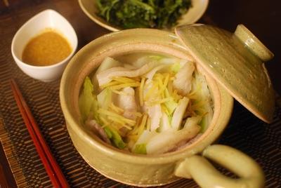 白菜と豚バラのゴマダレ蒸し