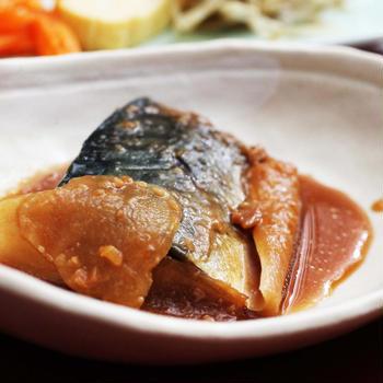 鯖の味噌煮とわさび稲荷