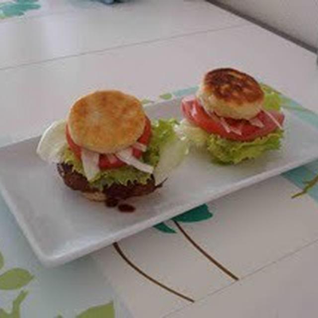 ハムとハンバーグのパニーニ(Ham and Hamburger Panini)