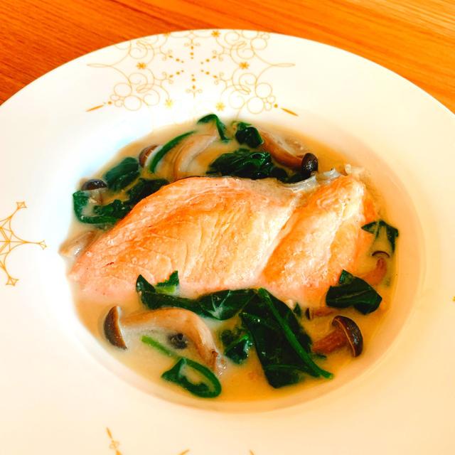 レンジで簡単!鮭とほうれん草のミルク煮