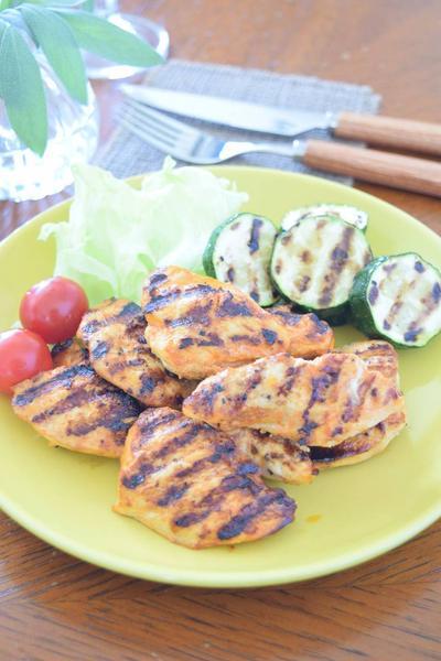 鶏むね肉のオーロラチリソースグリル焼き