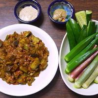 ザ・夏野菜!ナスのドライカレーと横須賀野菜づくしの食卓。