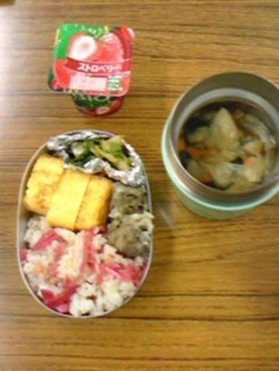 紅生姜焼き飯を詰める弁当