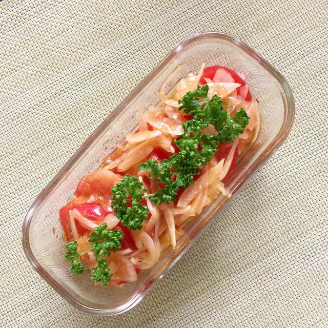 新玉ねぎとトマトの作り置きサラダ