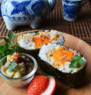 お腹大満足系おにぎらず 冷凍卵×オイルサーディン×ポテト