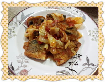 サバ(鯖)と春キャベツの簡単トマト煮込み