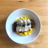 【レシピブログ】トマトカレー 鶏ハムのせ × 広島のロゼ
