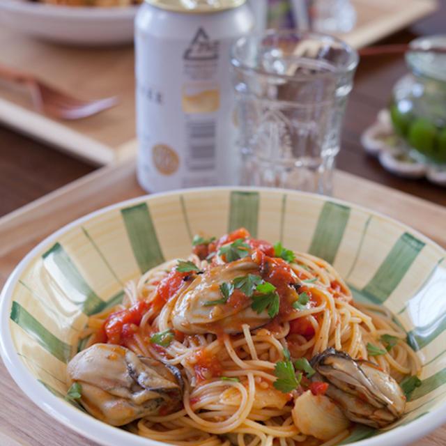 牡蠣とトマトのパスタ