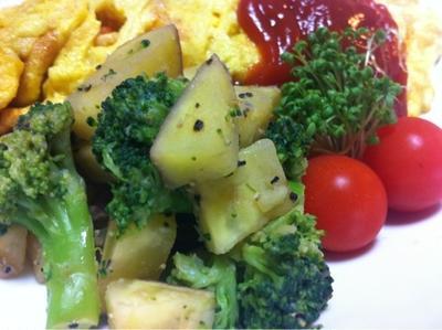 サツマイモとブロッコリーのサラダ