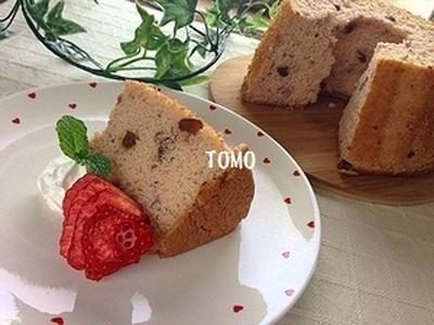 お正月に♪「いちご大福風シフォンケーキ」