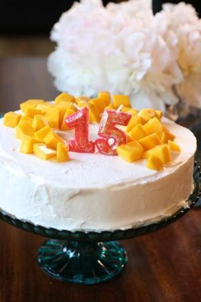 お誕生日が連続 マンゴーのせシフォンケーキ