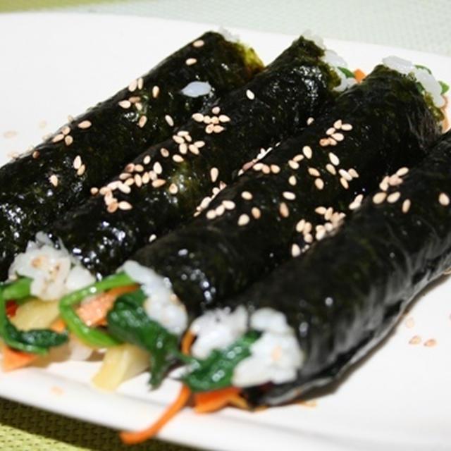 コマキムバプ(꼬마김밥)--食べると止まらなくて、韓国では麻薬キムバプって呼ばれてます!^^