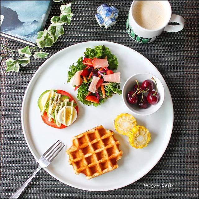 ワッフルで♪ 朝食ワンプレートと、女子会♡