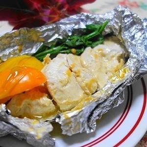 簡単ヘルシー♪「鶏むね肉のホイル焼き」レシピ