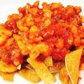 餃子の皮チップのエビチリソースのせ【カットトマト缶で作ったエビチリ】