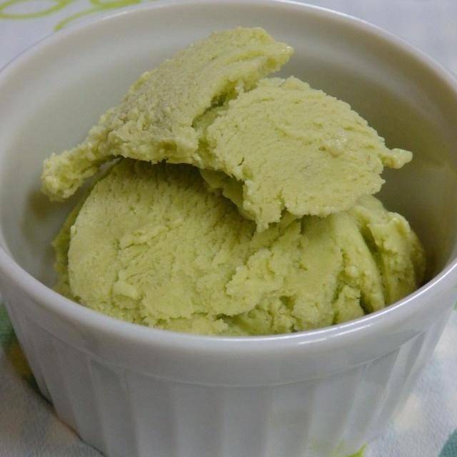 水切りヨーグルトで作るアボカドアイス