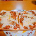 鯖水煮缶とパスタソースでつくる絶品ピザ