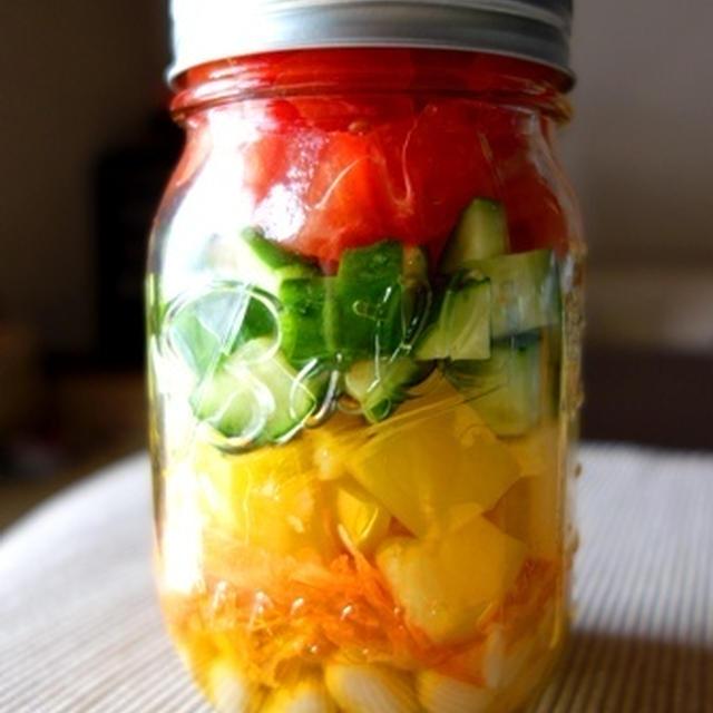 豆と野菜のメイソンジャーサラダ