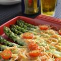 <黒胡椒香る、アスパラと桜海老のチーズ焼き >