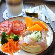 QBBプレミアムベビーチーズと卵とベーコンのイングリッシュマフィン