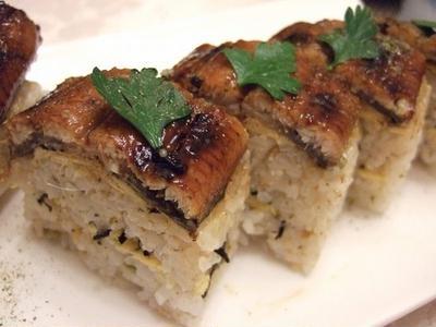 鰻の棒寿司に、実山椒を入れて♪