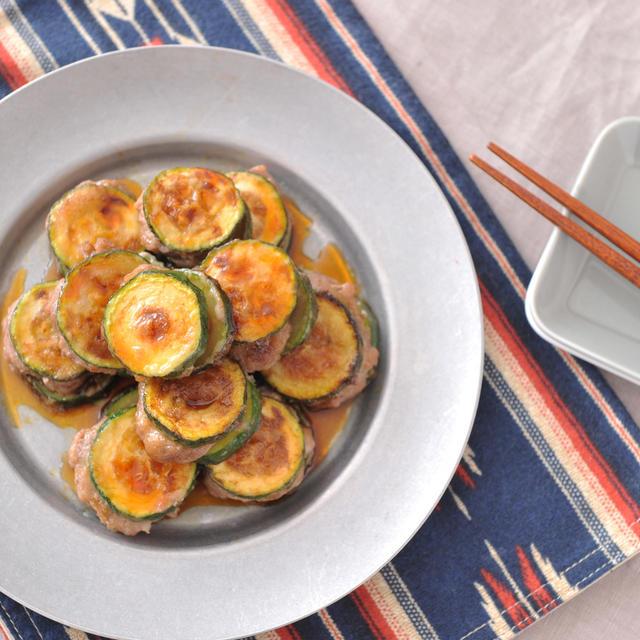 【カンタン酢レシピ3品】もやし豚つくね、ぶっかけさっぱり油うどん、ズッキーニの挟み焼き