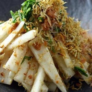 シャキシャキ歯ごたえで大満足!切って混ぜるだけの大根サラダのレシピ