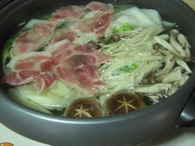 豚しゃぶ鍋+水餃子
