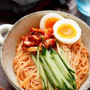 韓国の味をお手軽に!「ビビン麺」を身近な材料で作ってみよう♪