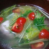 水菜とレタスの餃子スープ