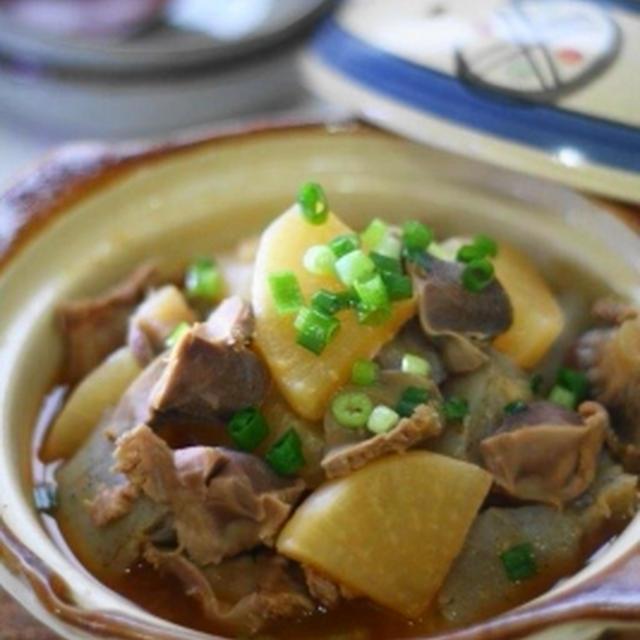 砂肝大根にゃくのピリ辛スタミナ煮込み
