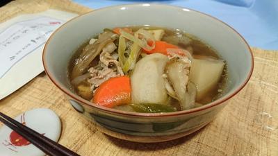 〈ヤマキだし部〉秋の味わい~我が家の芋煮。