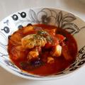 バジルとチリペッパーで、茄子とタラのスパイシートマト煮