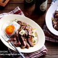 ガーリックバターステーキ丼と甘辛しょう油の豚こま焼肉丼 by naomiさん