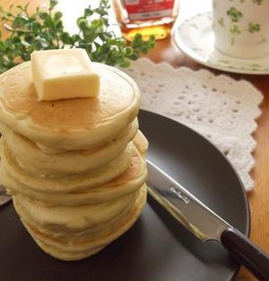抹茶くず湯粉末でもっちりパンケーキ
