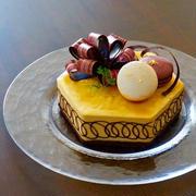 キャラメルムースのバースデーケーキ