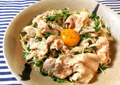 超主食系サラダ。柔らか豚のオイマヨキムチはちょこっと3分。(糖質5.9g)