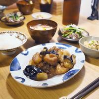 【米油部】なすの黒酢豚ごはん
